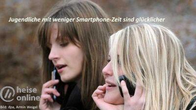 Jugendliche mit weniger Smartphone-Zeit sind glücklicher